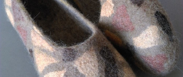湿毡DIY制作过程 | 混色的羊毛毡鞋(羊毛毡家居鞋)