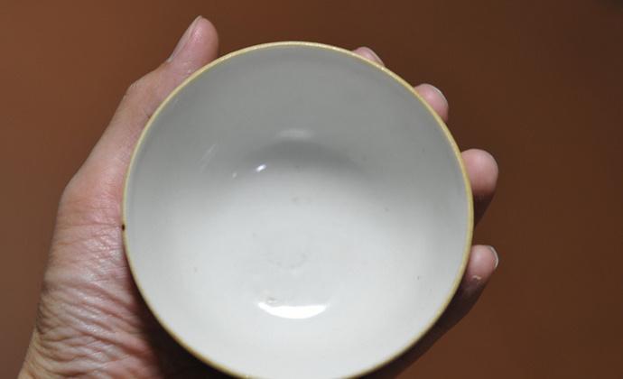 清代早期白瓷茶碗