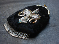 【LXB私人设计】法式刺绣钉珠口金包