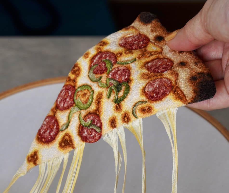 """微波出来的刺绣""""披萨"""" / PIZZA by ipnot"""