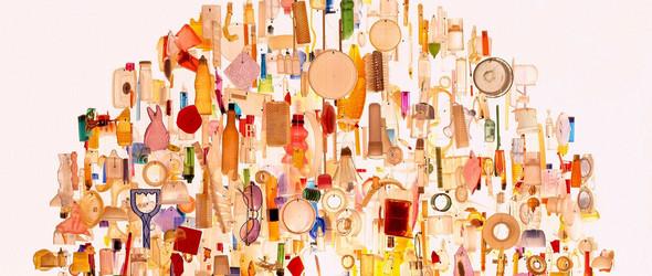 从平淡无奇到崇高的华丽转身 |艺术家 Stuart Haygarth 利用废弃材料制成的精美灯具