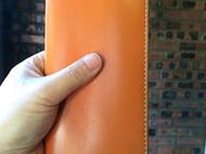 简洁橙色长夹