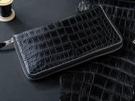鳄鱼皮长款超级长夹,30个卡位,还有一个拉链袋加上一个插袋,内用法国山羊皮,非常适合商务人士