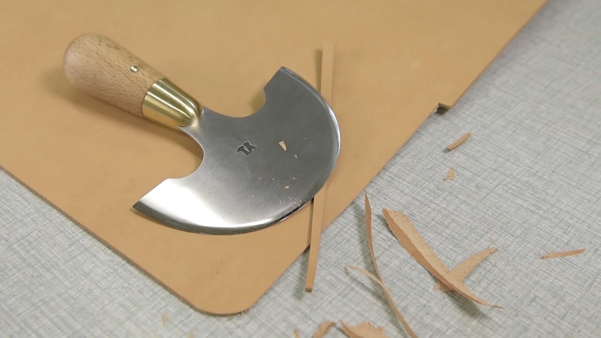 刀匠 | 手工定制美式半月形裁皮刀制作过程