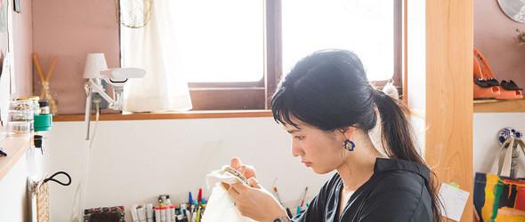 日本设计师 溝渕亜由美 与手工刺绣配饰品牌 Pumpulipuikko