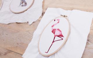 缎纹绣入门教程 - 几何形状的火烈鸟刺绣教程