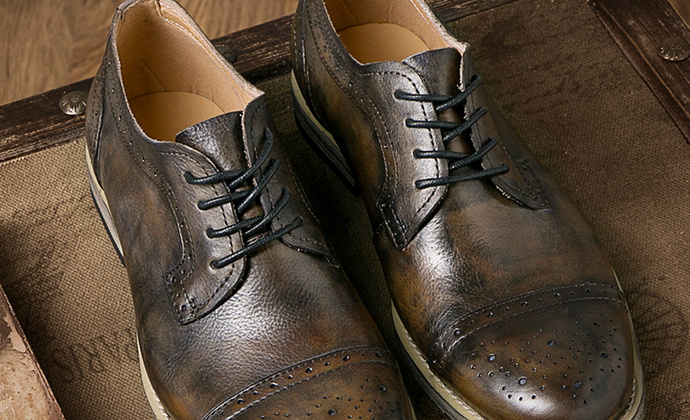 批发秋季新款潮流皮鞋子男士英伦复古皮鞋牛皮布洛克雕花男鞋真皮