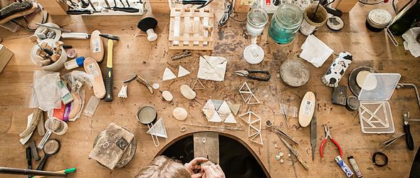 爱上骨头 | 波兰珠宝设计师 Magdalena Maślerz 的动物骨骼配饰