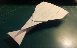 叠一架飞行能力更强的纸飞机