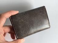 原创纯手工菊花扣牛皮咖啡色擦蜡植鞣革简约小巧男士女士卡包卡夹卡片包名片包零钱包