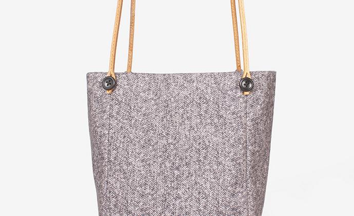意品造物独立设计师品牌春款水桶包斜挎布包复古文艺北欧小众抽绳包