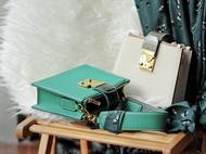 手工皮具  // 你需要来一个优雅到不行的斜挎包 ——ADARO