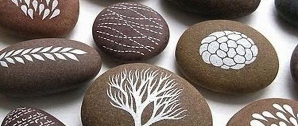 【石物语】画在石上。