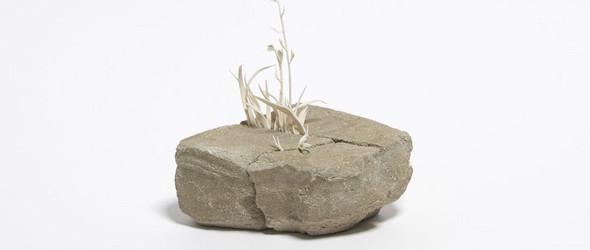 英国艺术家 Katie Spragg 简单而寂静的粘土雕塑