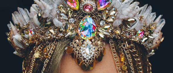 用贝壳打造的炫丽王冠,只看一眼便沉沦千年 |  Chelsea Shiels