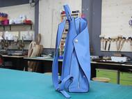 一款简奢的修身双加背包