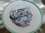 刺繡 ——兔猻頭像