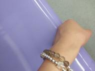 自己制作的手串最喜欢 在手链上加串了一个小房子😁代表我的心愿😉