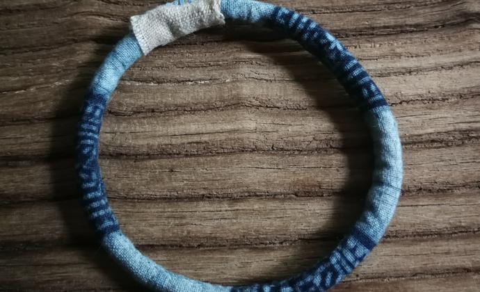 原创布手镯 手工缝制  蜡染布
