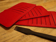 红色水波纹多卡位卡包