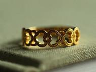 复刻清代早期宫廷如意纹金戒指,复刻款为银戒指。