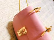 粉粉的小猪包