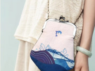 夏季绝配——小海豚口金包 |  草木染&刺绣