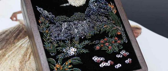 融故事与传承于奢华而典雅的珠绣包袋之中 | 俄罗斯珠绣艺术家 Valentina Phil 作品