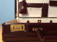 酒红色手工复古旅行箱