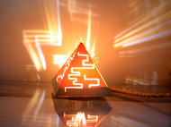 金字塔灯,仓促之作,正在准备改良,却没有好的想法