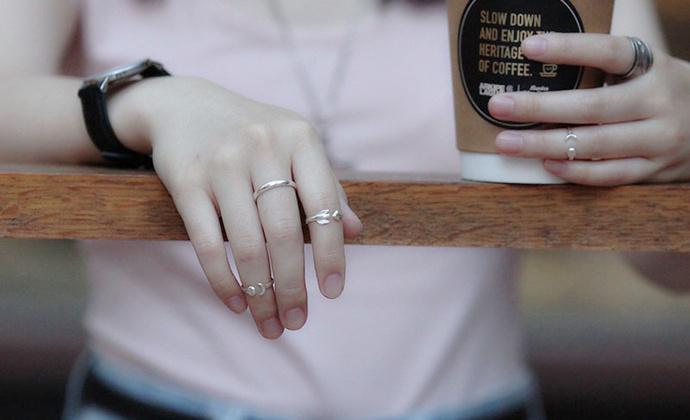 偶屿925银日月戒指