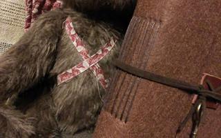 毛毡手工本欧式缝教程(制作时也可以将毛毡换成皮革封套,由温柔的毛毡本子变身为很酷的皮革本子)