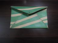 植鞣革条纹染色信封包