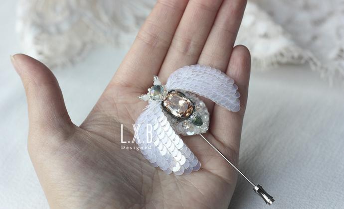 【LXB私人设计】法式刺绣 立体珠绣 昆虫胸针 (香槟锆石款)定制非现货