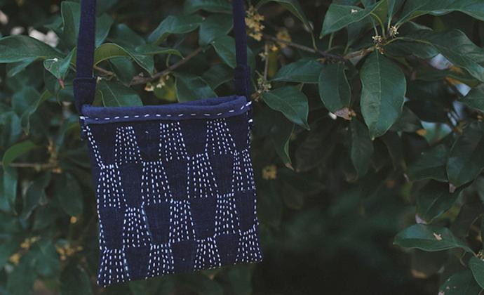 【群山】老土布手工刺绣斜挎小包手机包