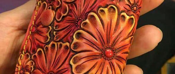 最新皮雕作品-客户定制皮具花款钥匙包、龙款短夹钱包、皮雕树叶小挂件