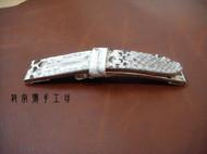 手工蟒蛇皮表带,真蟒蛇皮加进口植鞣革的完美搭配,