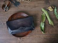 树叶压纹手拿包