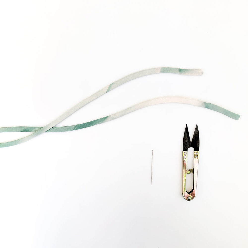 DIY基础缝纫教程:细肩带(Spaghetti strap)的缝制方法