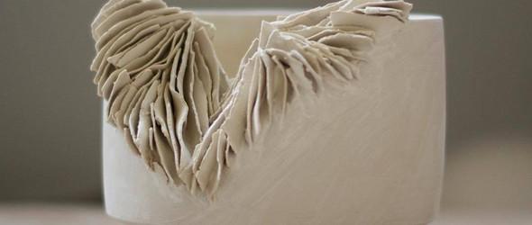 陶瓷像珊瑚一样肆意蔓延 | 伦敦陶艺家 Olivia Walker 独特的陶瓷雕塑