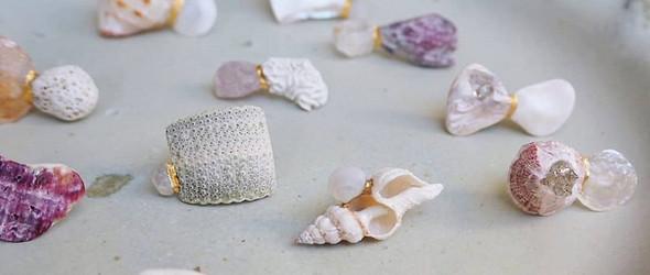她是海洋魔法师,将贝壳制作成带着大海气味的配饰 |藤田友梨子