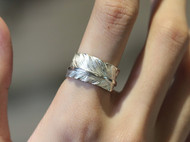 偶屿925银窄版羽毛戒指