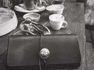 黑色植鞣革 手包