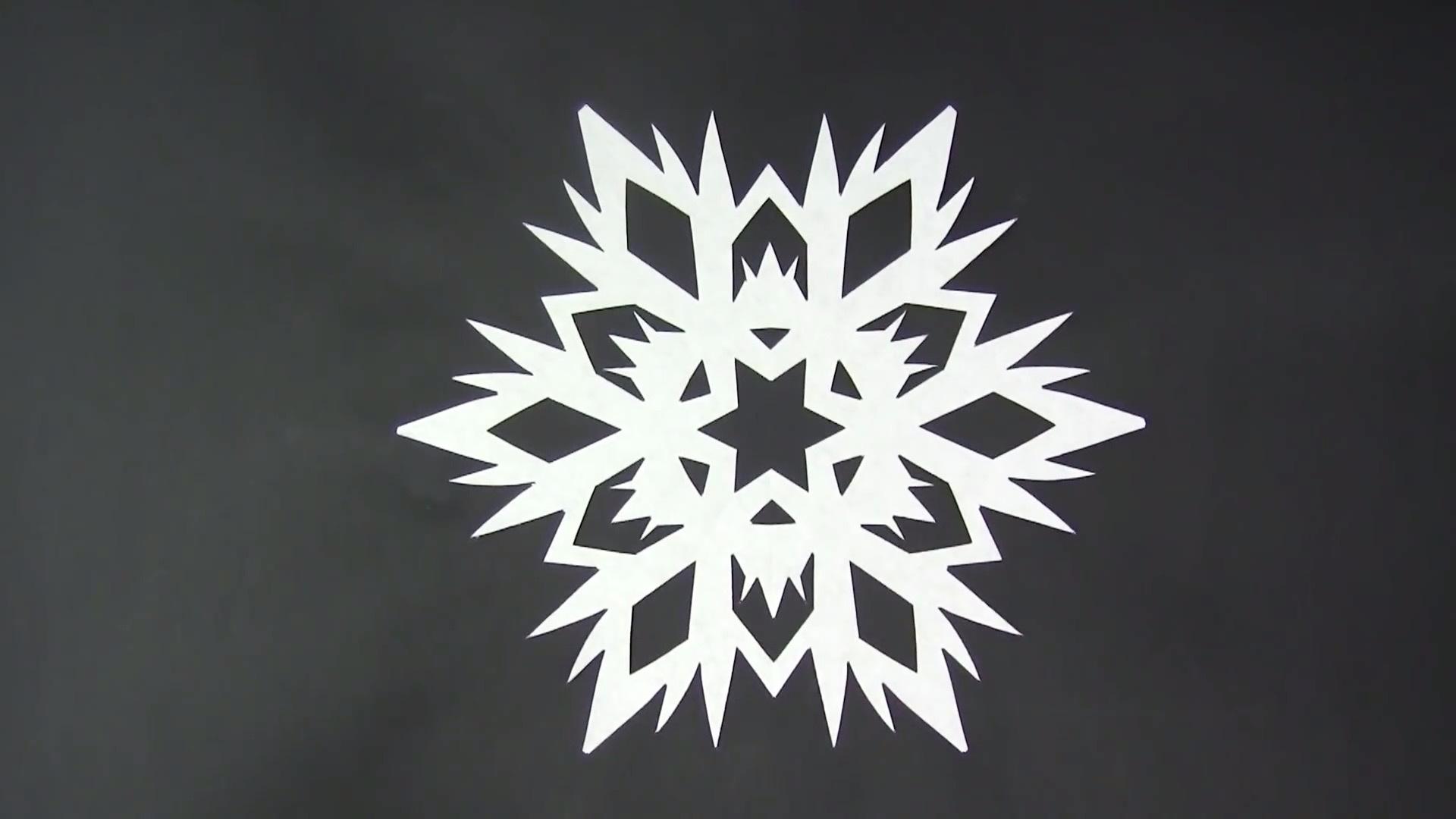 手工剪纸视频教程:只需5分钟,剪出逼真的雪花