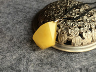 LR ART 独立设计小叶紫檀纯天然蜜蜡鸡油黄切面设计吊坠