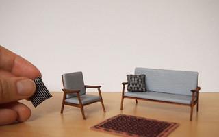 微缩模型:中世纪的沙发和扶手椅