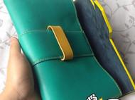 荧光撞色手拿包