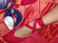 两穿红色缎布奶奶鞋