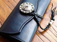 霖の手作 黑色植鞣牛皮 复古纯银扣流苏绳手拿包