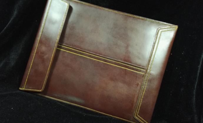 骄阳手工皮具个性定制棕色疯马皮素面手工信封文件包纯手工制做